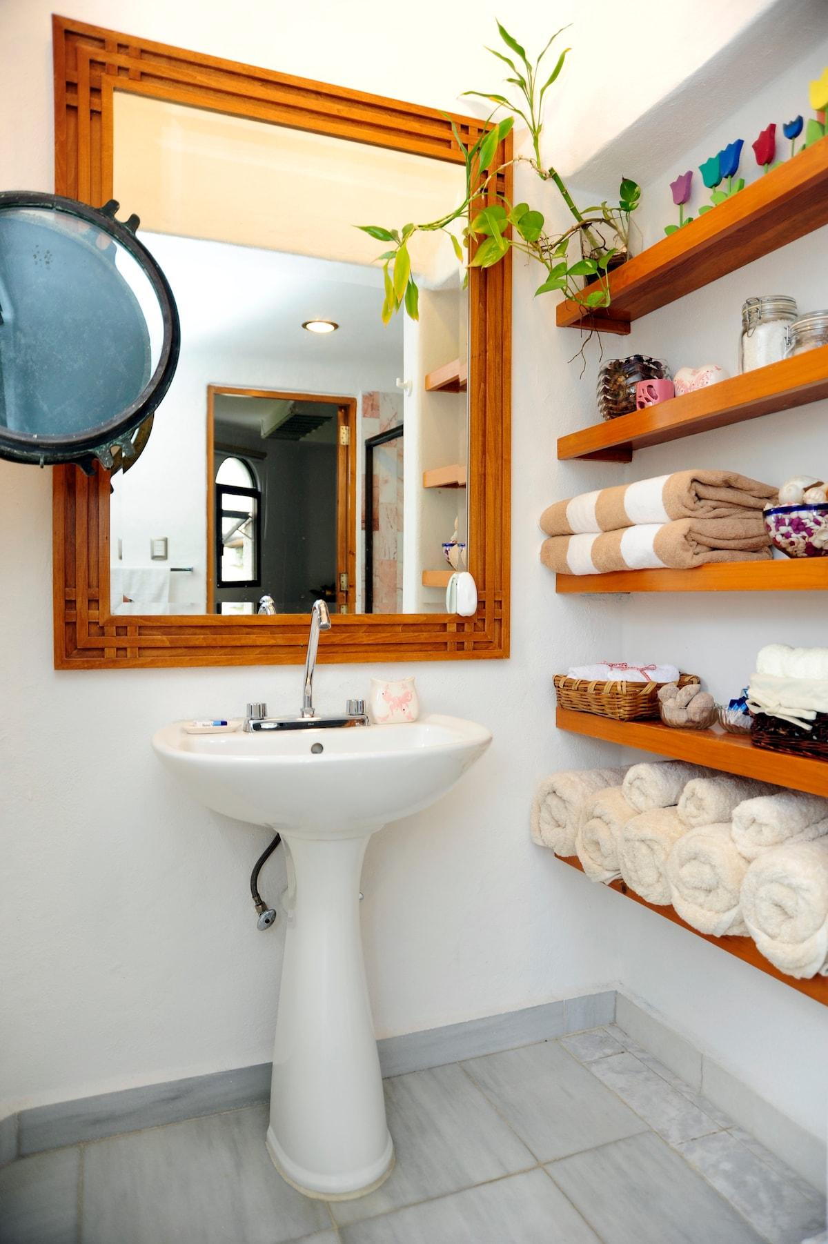 Towels, soap, shampoo, hairdryer, toilet paper, tissues etc...