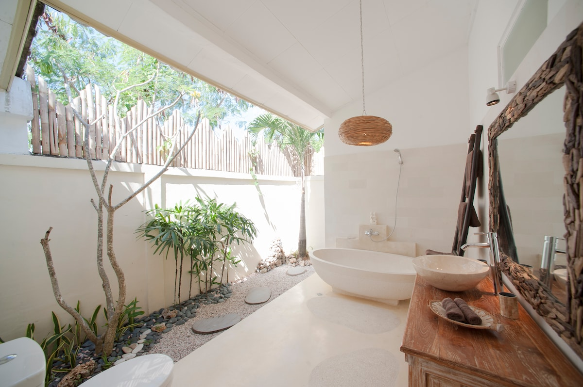Tropical Open Bathroom