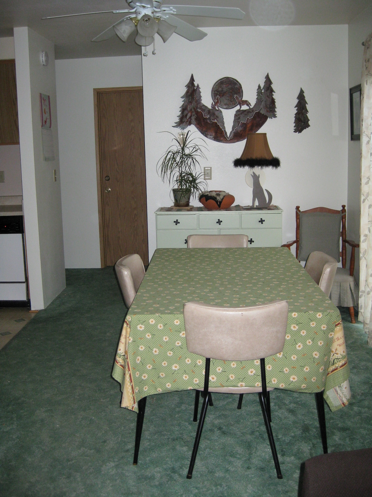 Dining Area. Table Can Expand  With 2 Extra Inserts
