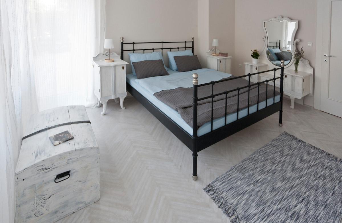 "Modern B&B in Šibenik, Room ""White"""