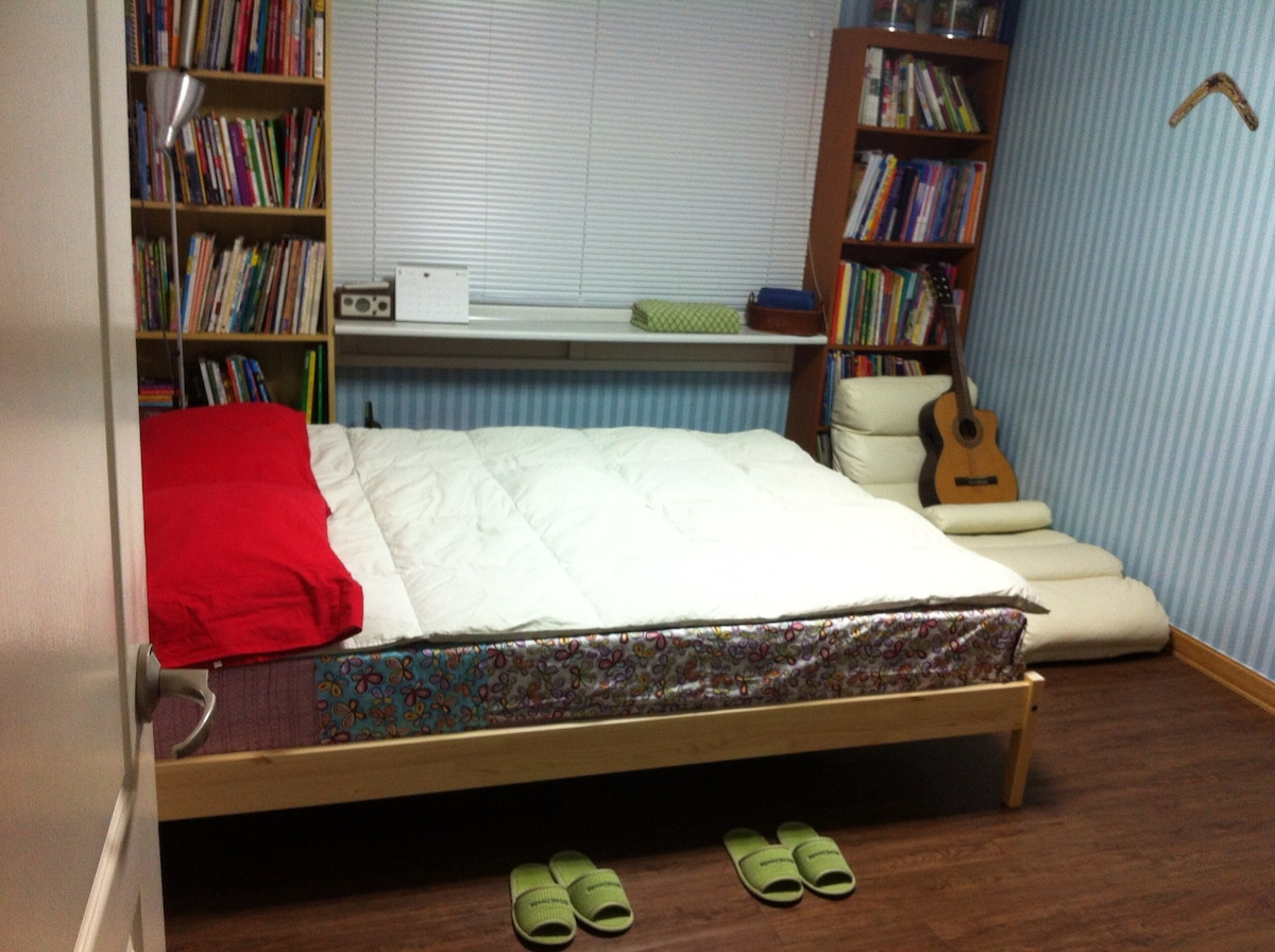 Private room (Comfortable Queen Size Bed)