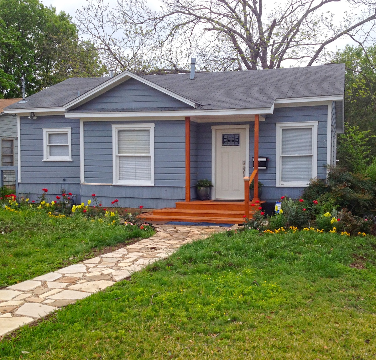 2BR Remodeled House, Central Austin