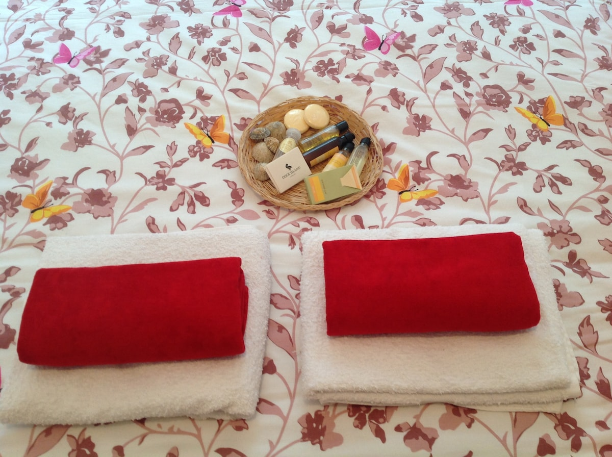 A comfy double bed, with clean bed linen, towels and toiletries provided.