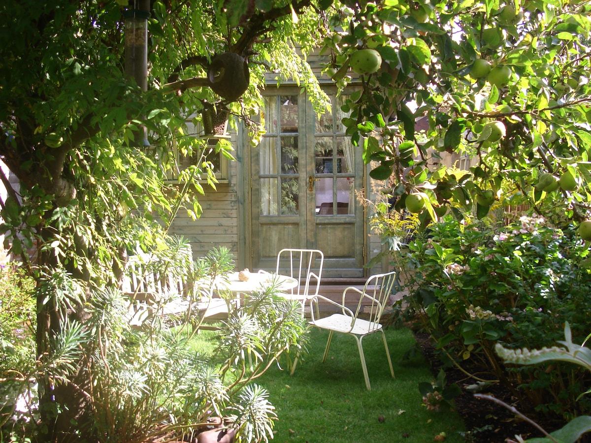 A secret haven in an Oxford garden