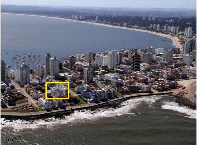 Ubicación en zona residencial de La Península cerca de todo