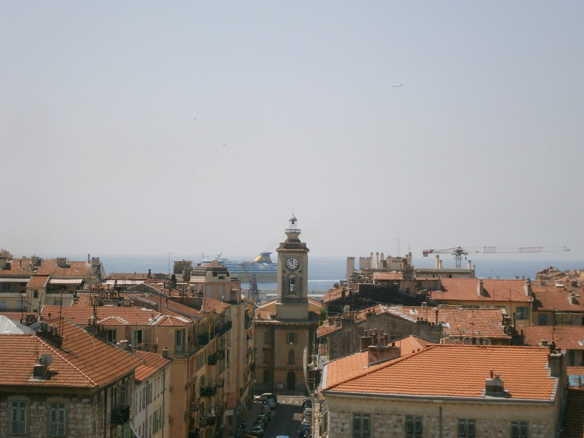 NICE French Riviera's living heart