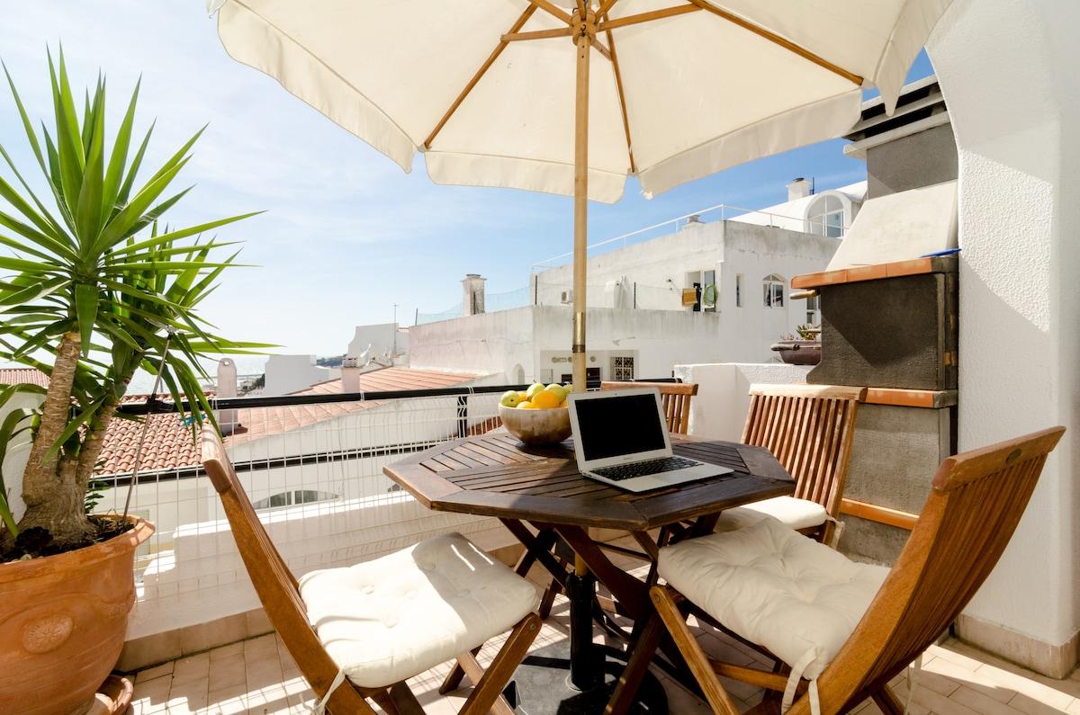 Entire Apartment,Ocean V, Portugal