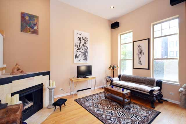 1 or 2 rooms town house