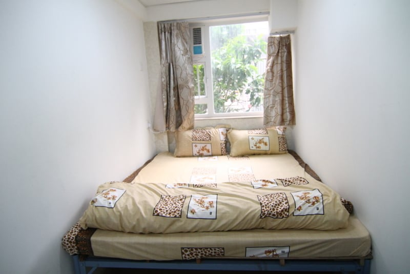 King size bed w/Window near MTR - 9