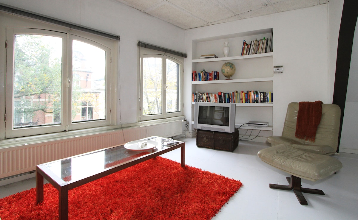 Stylish loft at the Spui Square