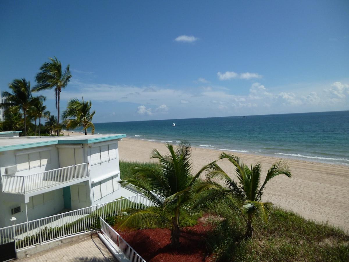Oceanfront condo in Fort Lauderdale