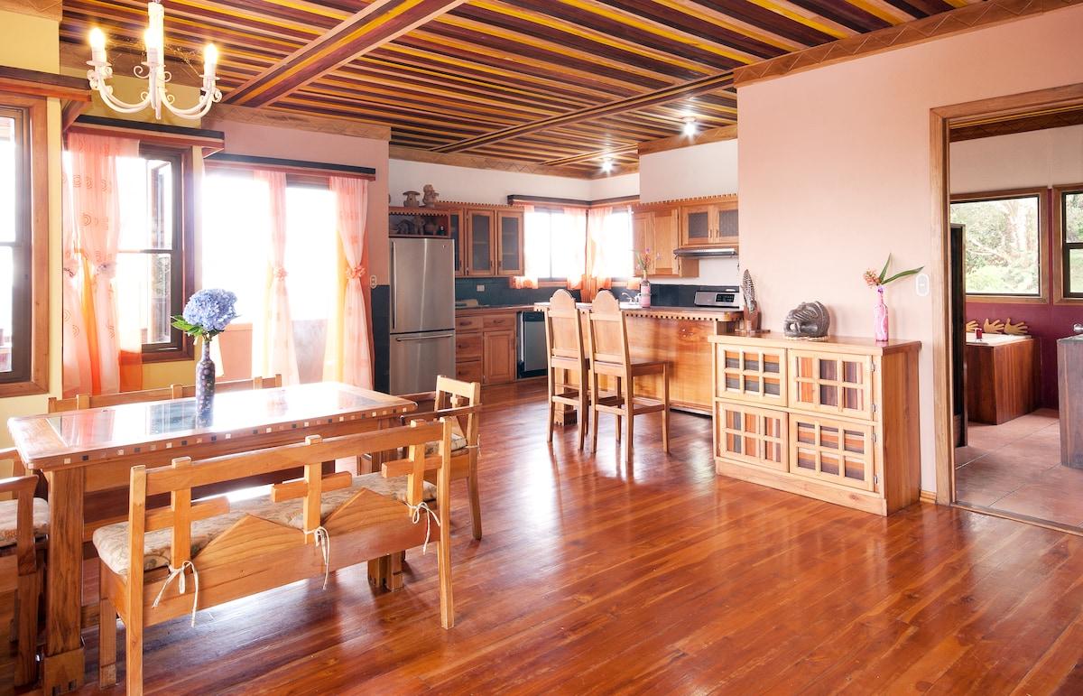 Papuga Rooms -Main living/dining area