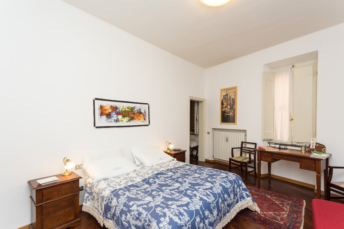 Big room with double size bed