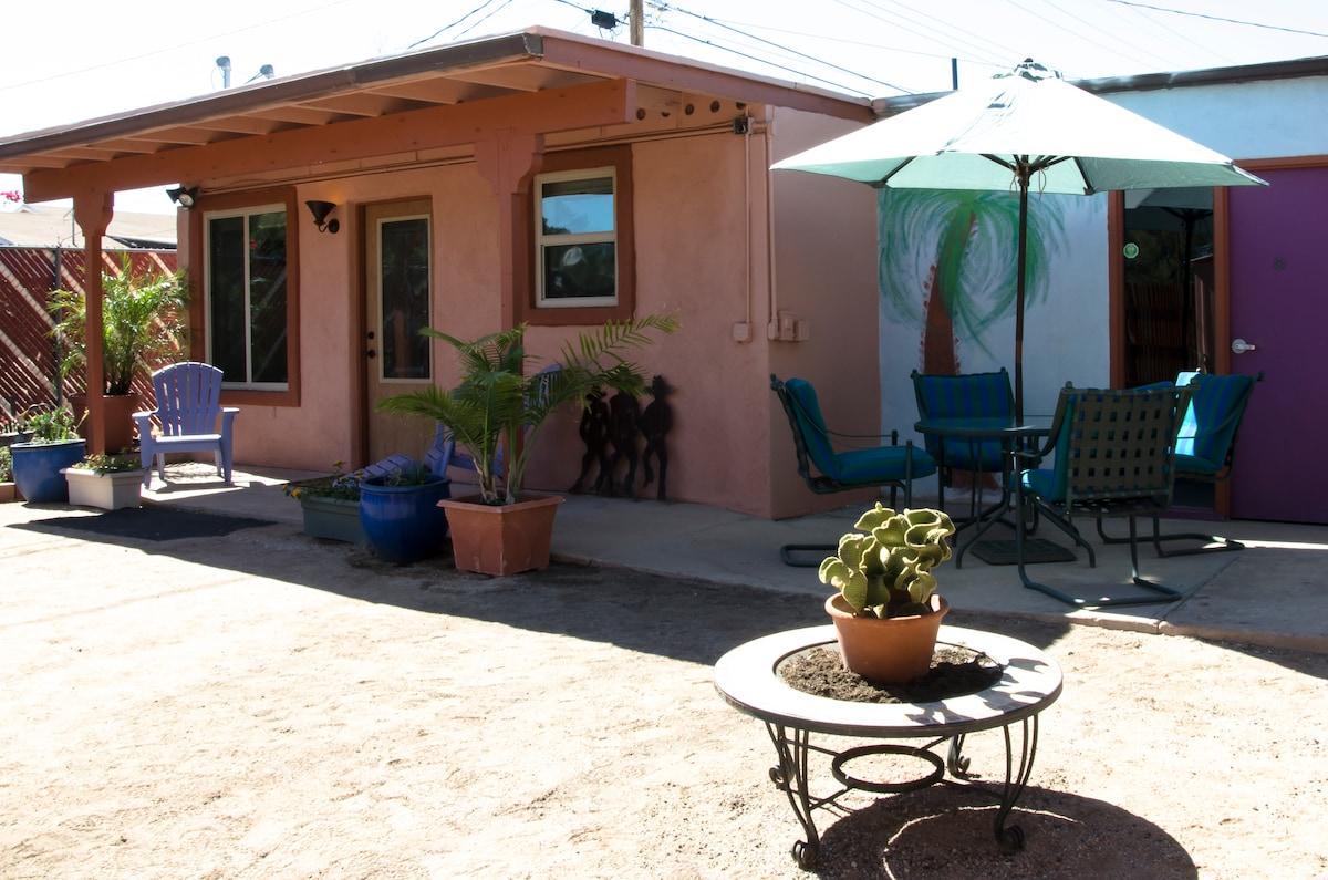 Cottage/Art Studio central Tucson