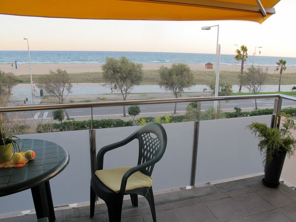 Private appartment - Sea front