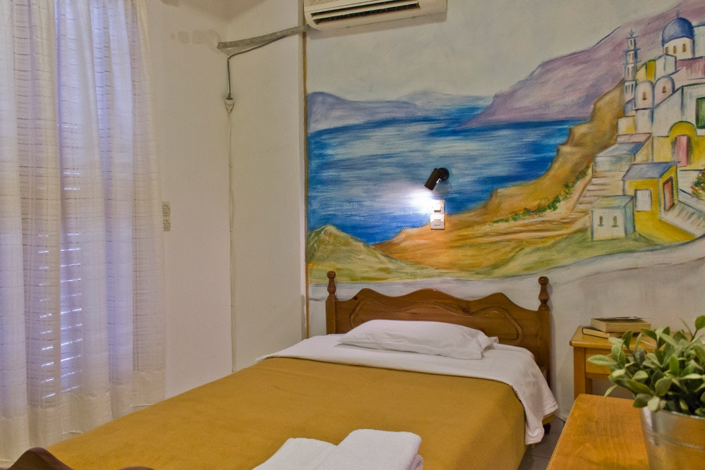 Single room by the Kamari beach