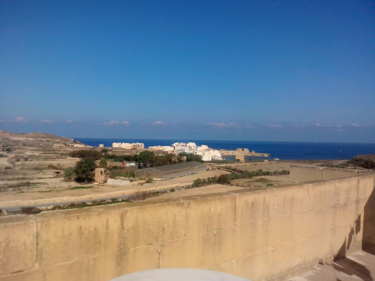 One rooms in Gozo with Morning YOGA