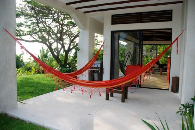 Covered patio, BBQ, luxury hammocks