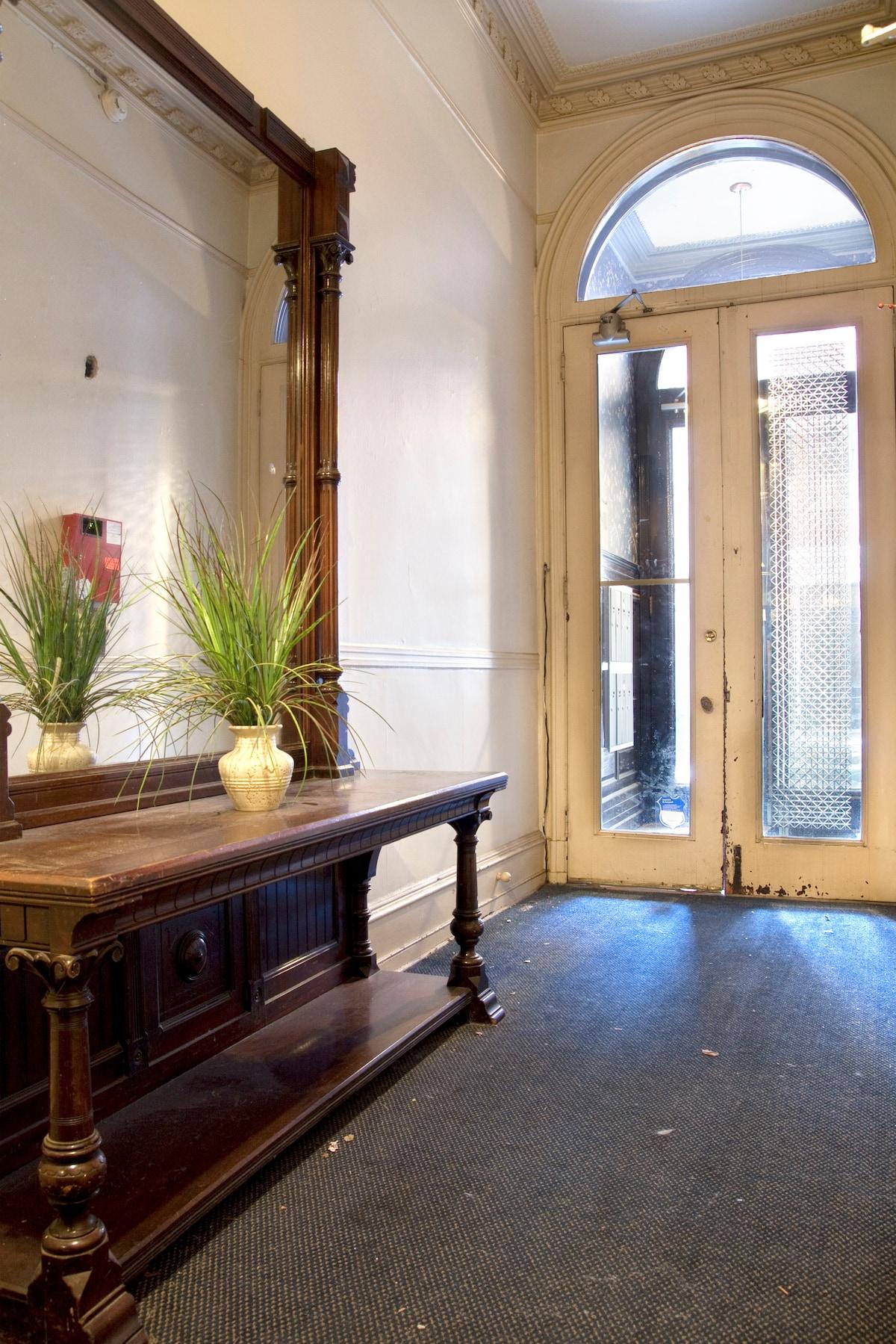 Entrance to the apartment, gorgeous original mirror