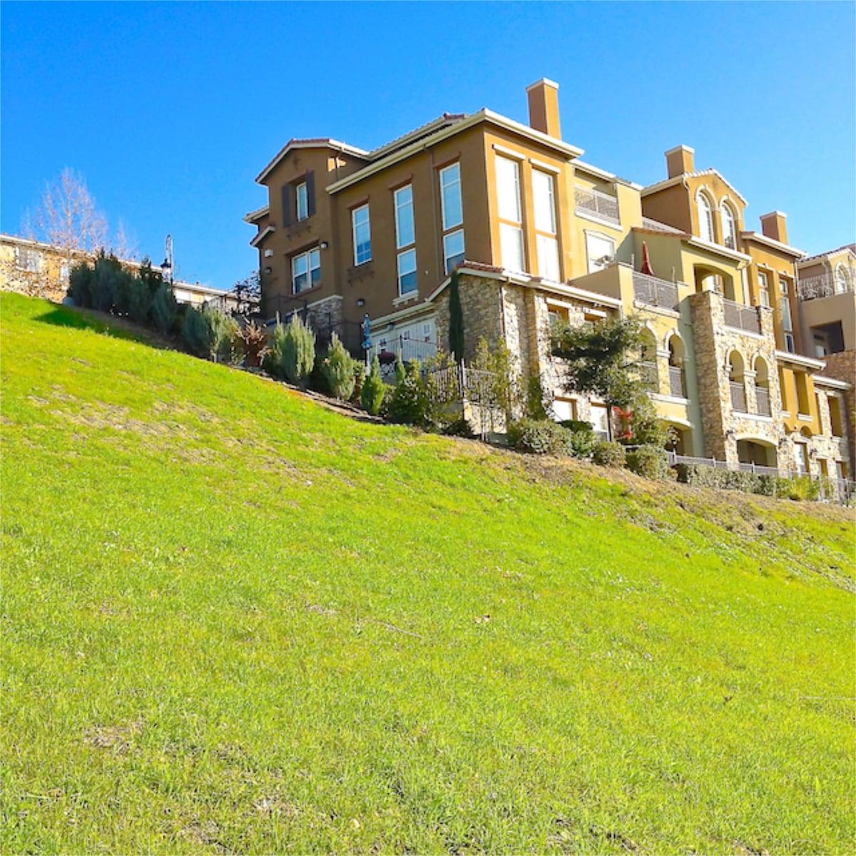 Cortona Hilltop Executive Suite at Tuscany Hilltop Unit