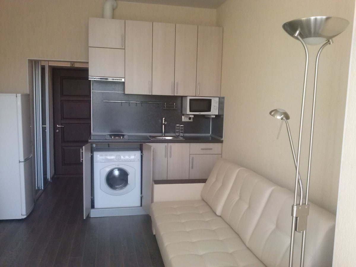 Studio apartment 200m from the sea