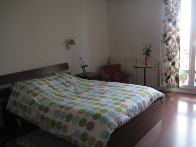 The parent's room, with  AC.