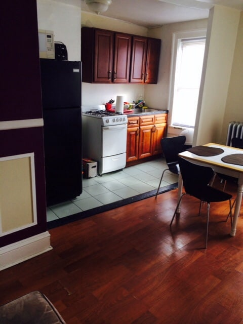 Cute Small Room for Rent in Astoria