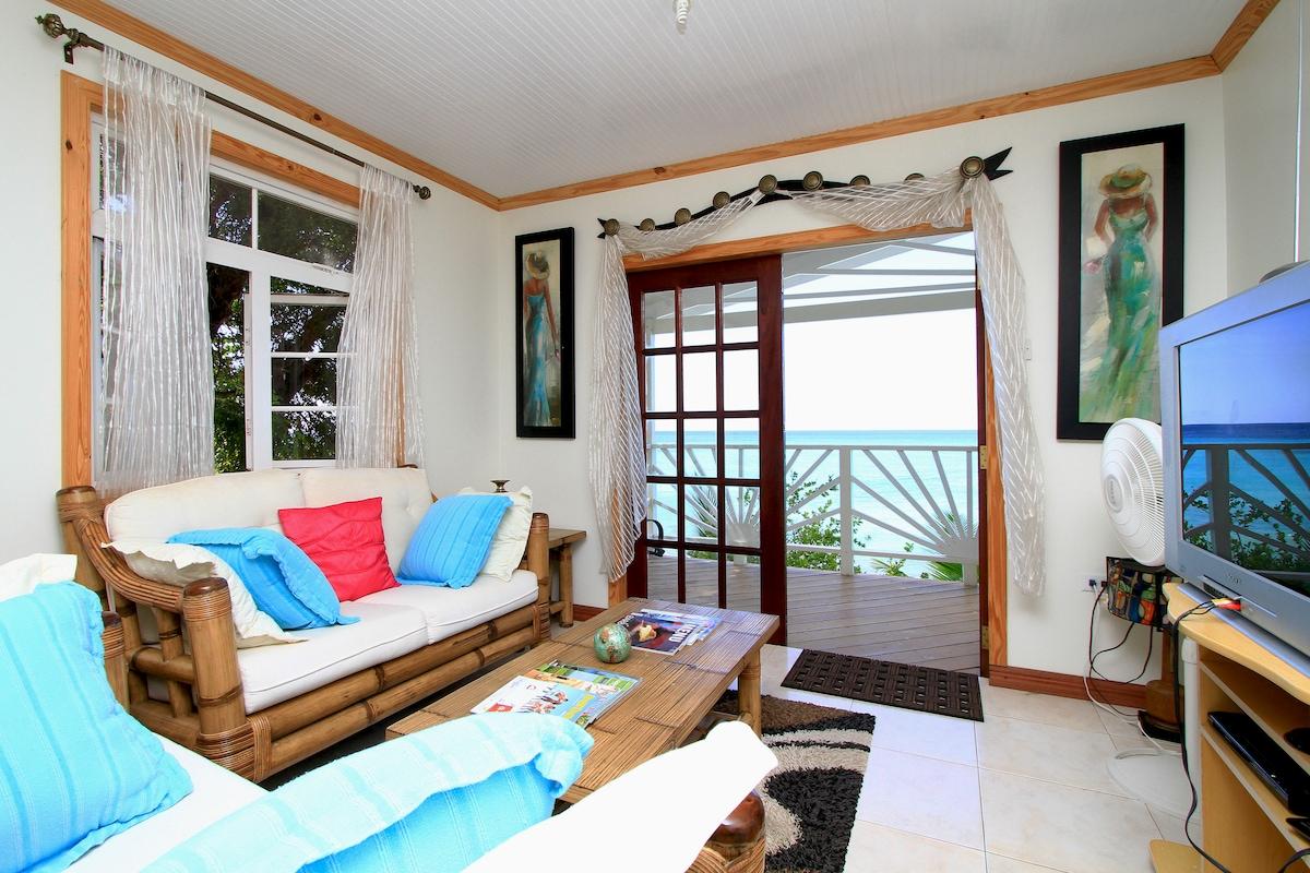 2 Bdrm Beach Cottage w/ Wi-Fi & AC