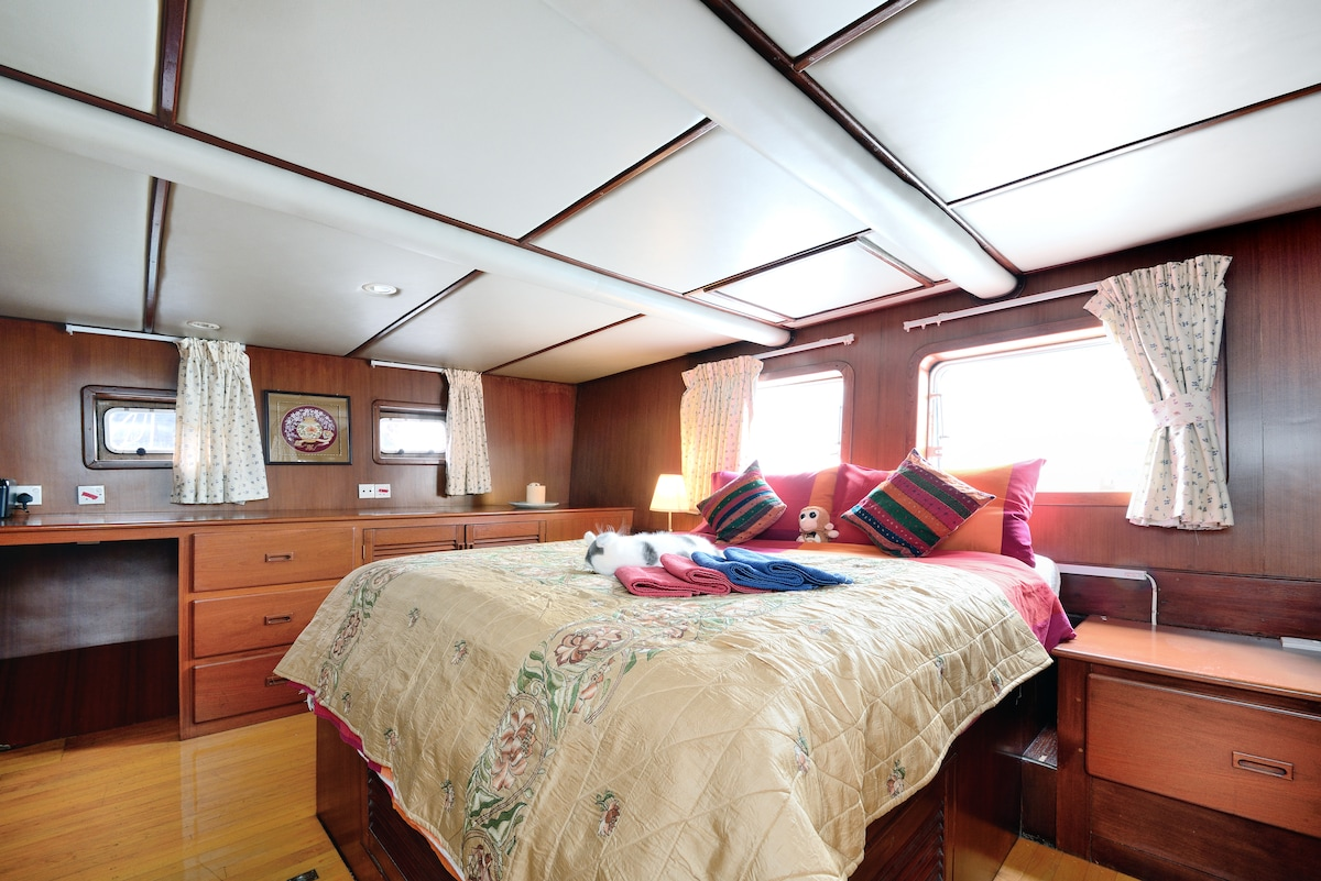 Boat Chinese Wood-3 : Captain Suite