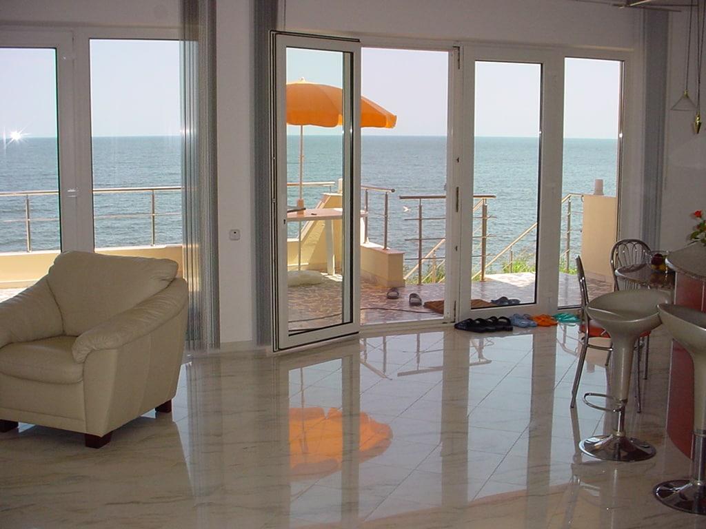 Beautiful duplex by the sea