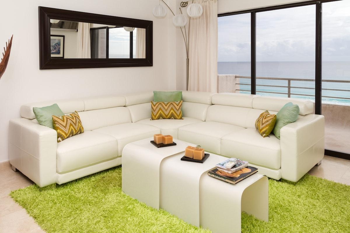luxury lounge and balcony with splendid views and balcony.