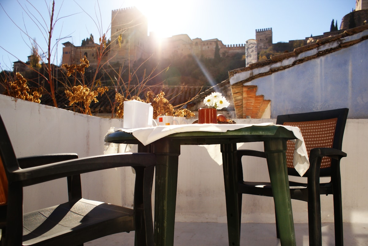 Dreaming of La Alhambra-Casa Blanca
