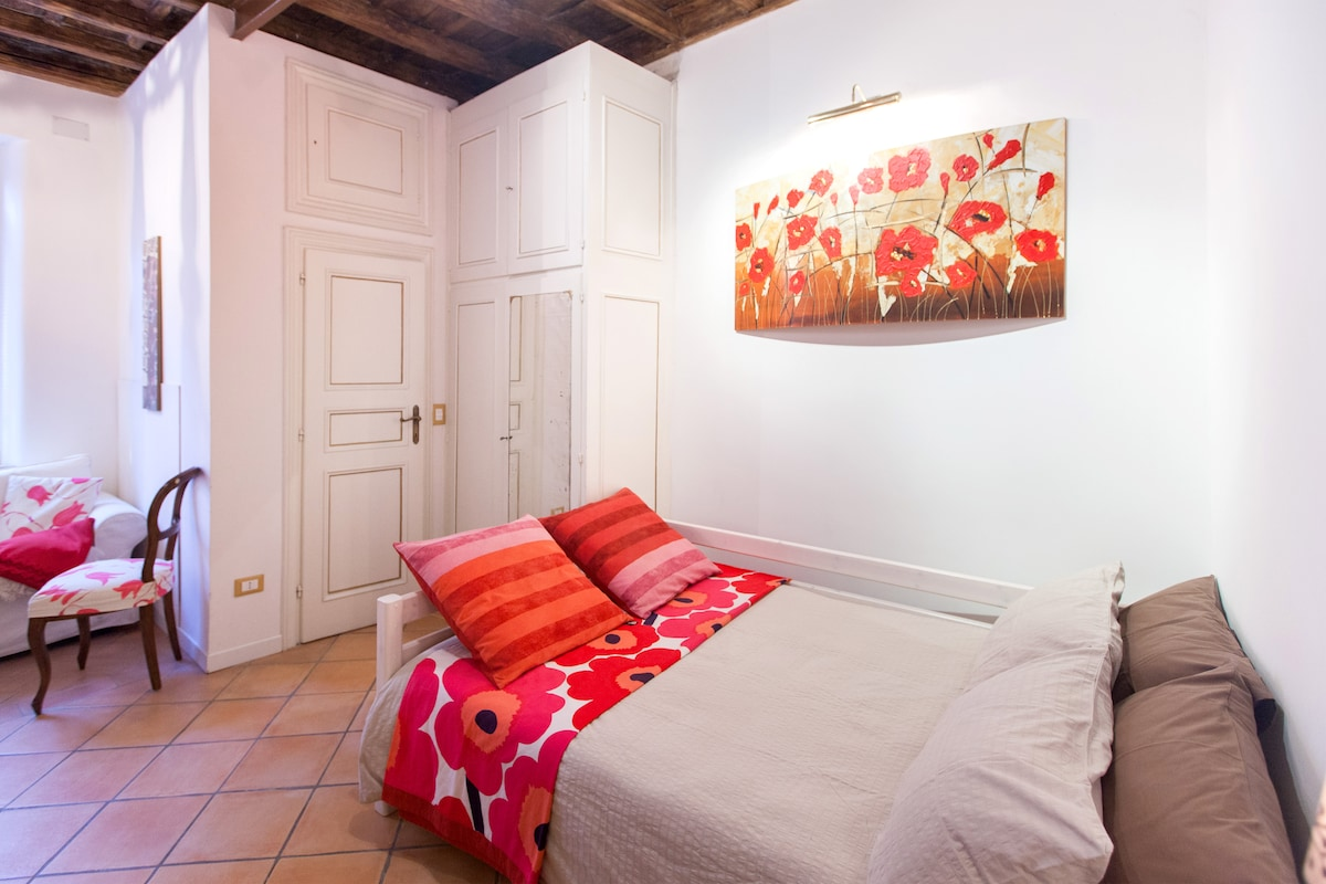 OFFER IN MARCH IN CAMPO DE' FIORI 2