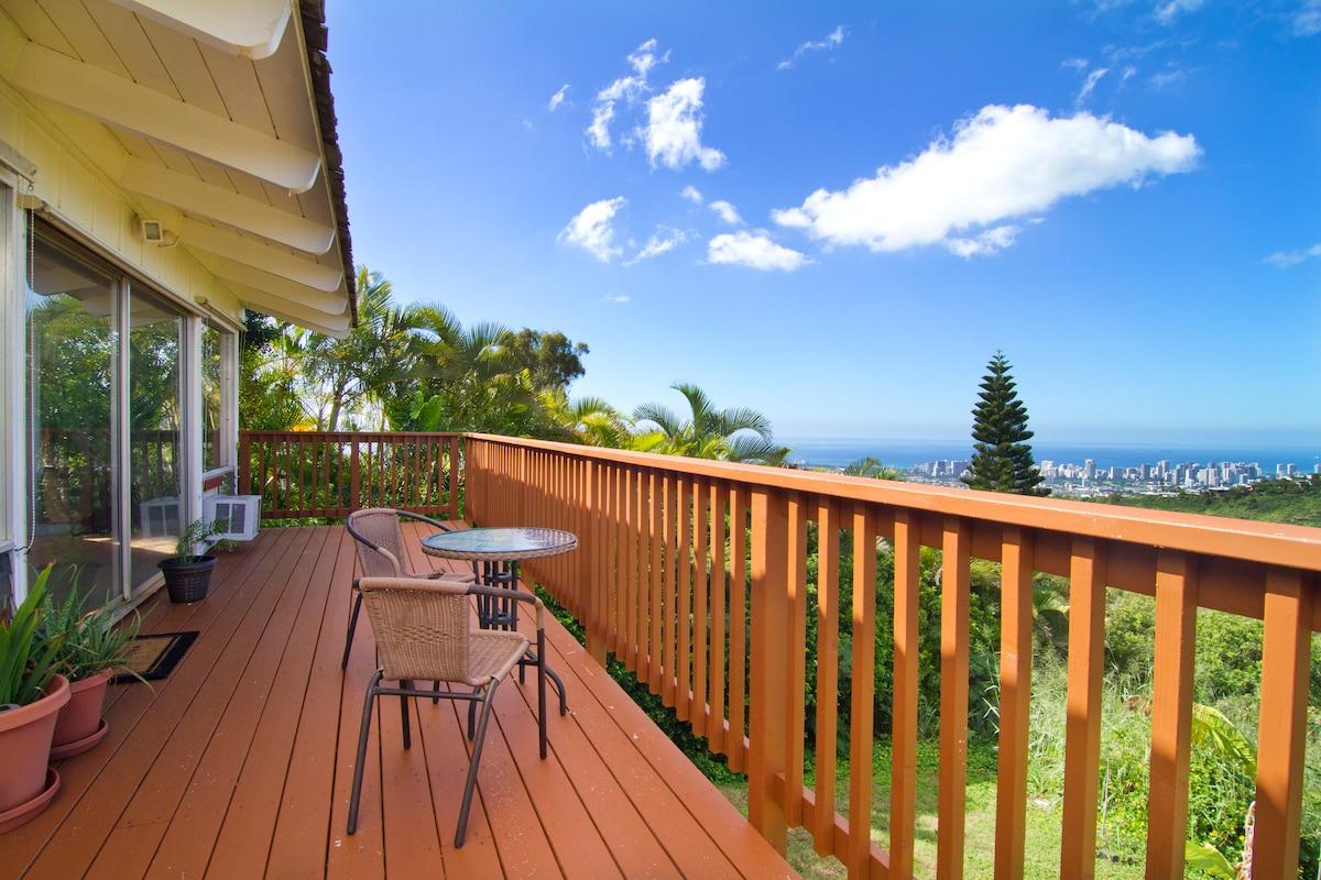 Paradise Mountain Ridge in Honolulu
