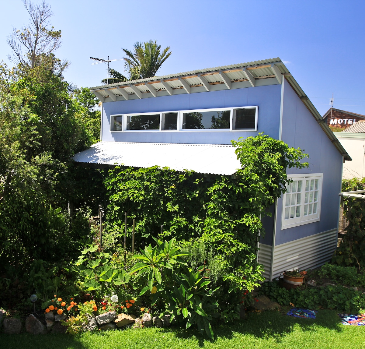 Your own get-away in a lush garden