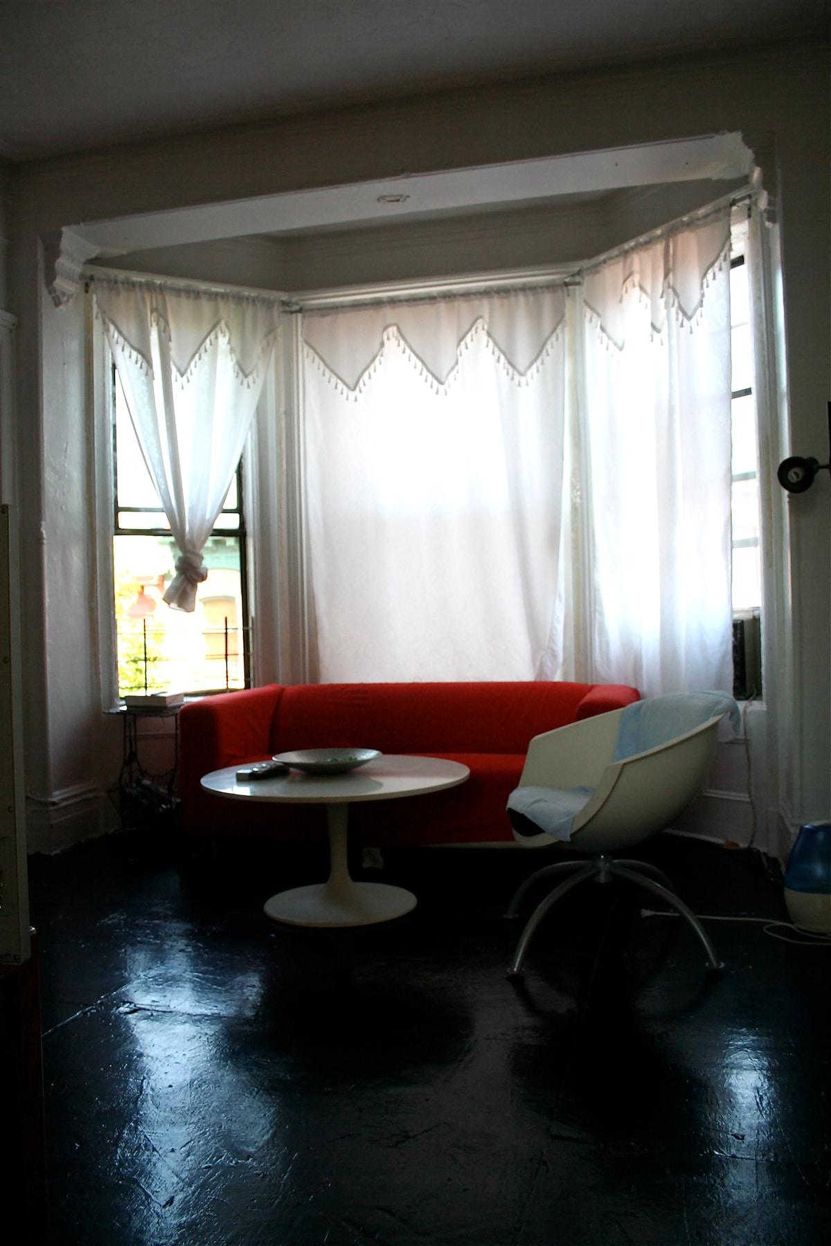 Sunny bedroom 5minutes to Manhattan