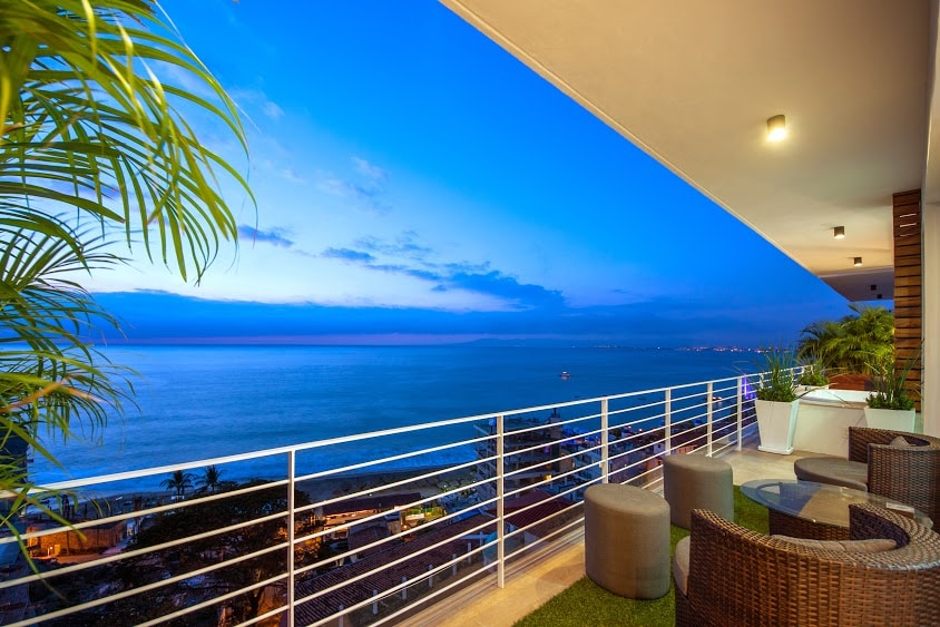NEW|H2O VIEWS|POOL|GYM|AMAPAS 353!