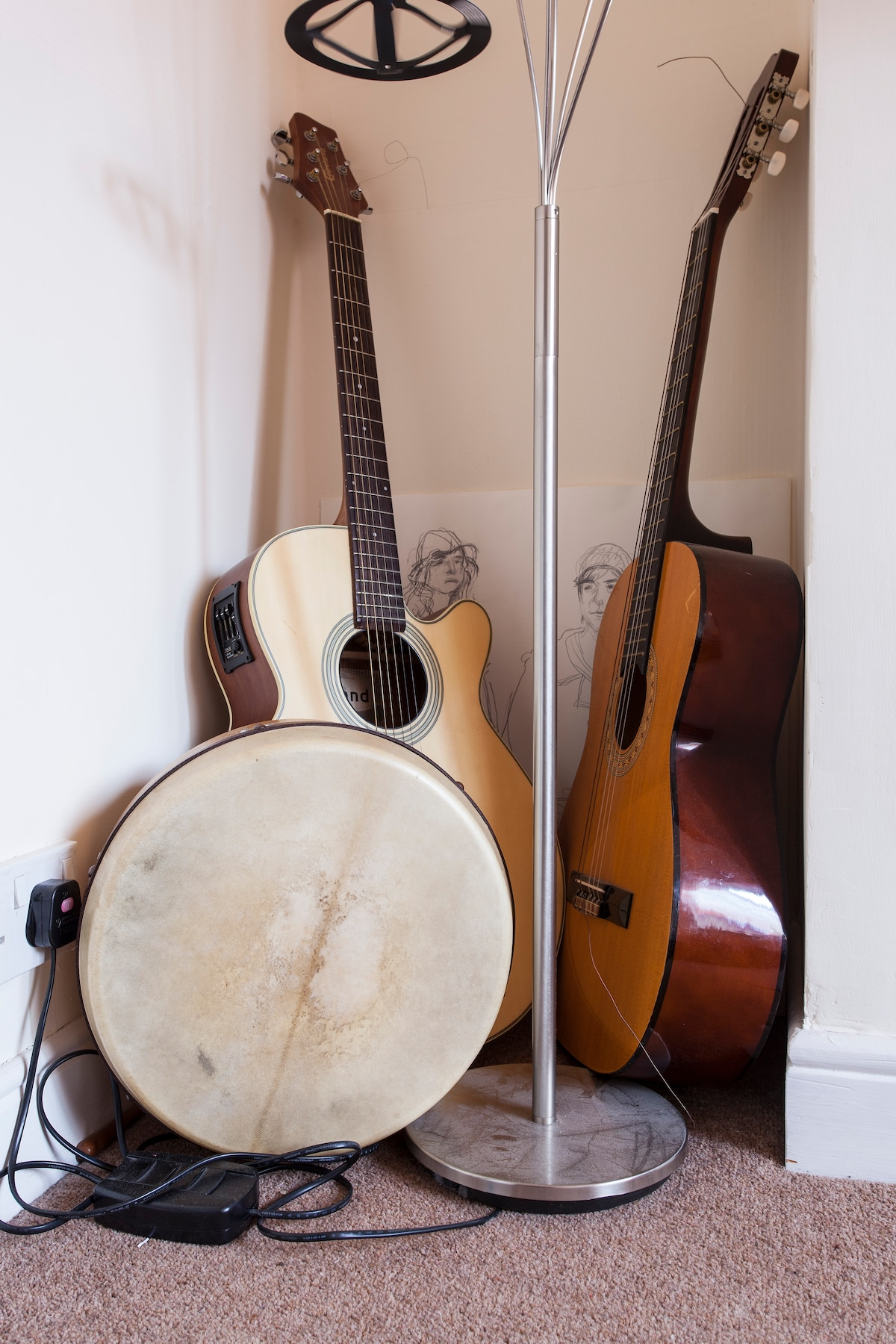 Experience the real Belfast with us, there is a trad music sessiun round the corner!!