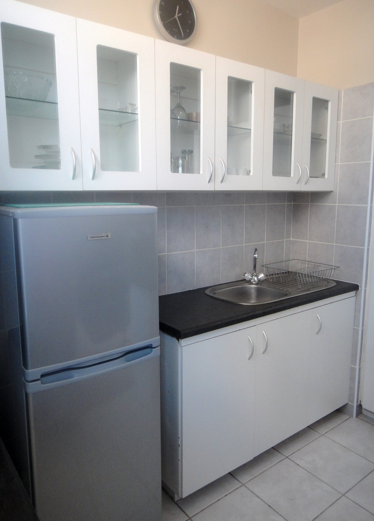 Hungry or thirsty...very neat self catering, fully equiped kitchen
