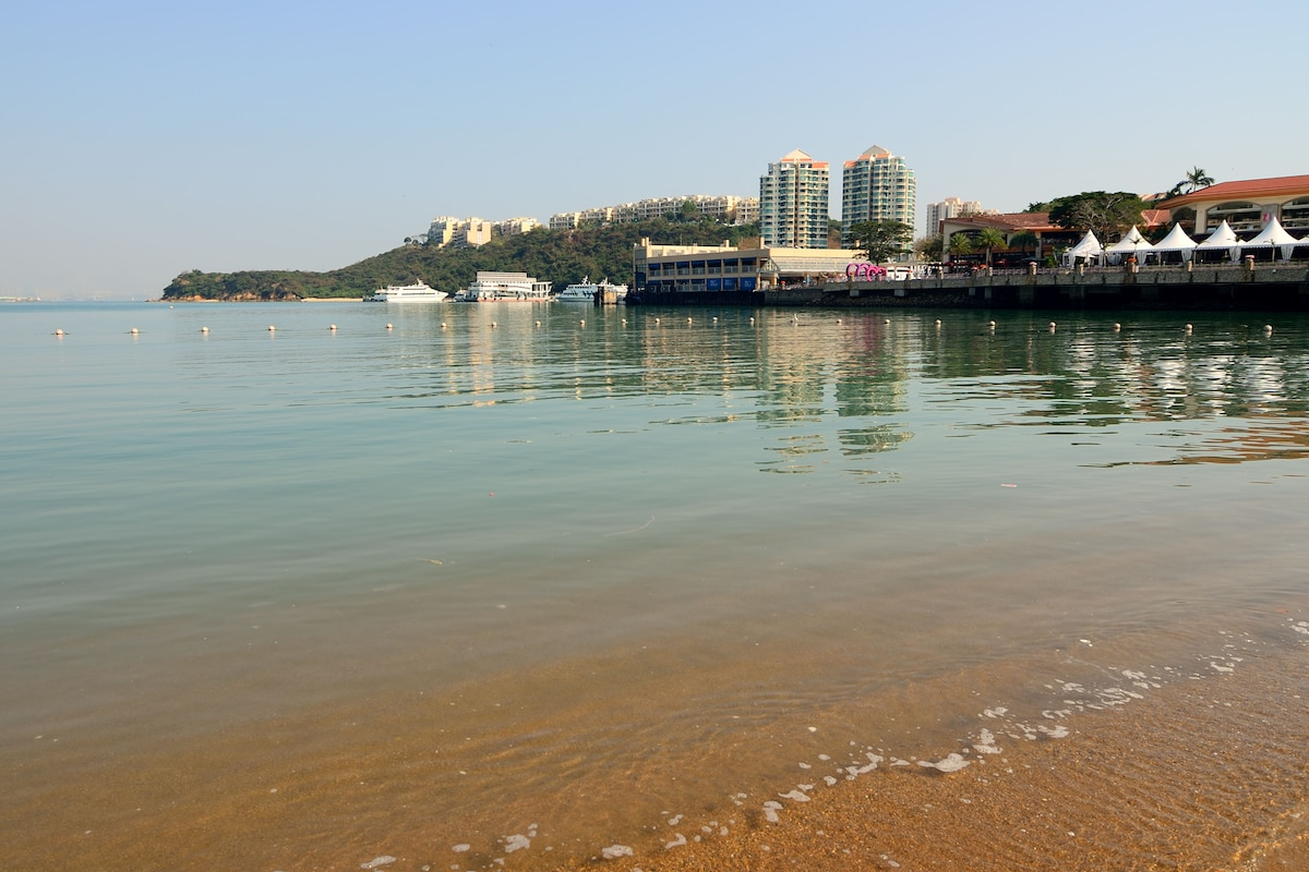Beautiful Beach 8-10 mins walk away
