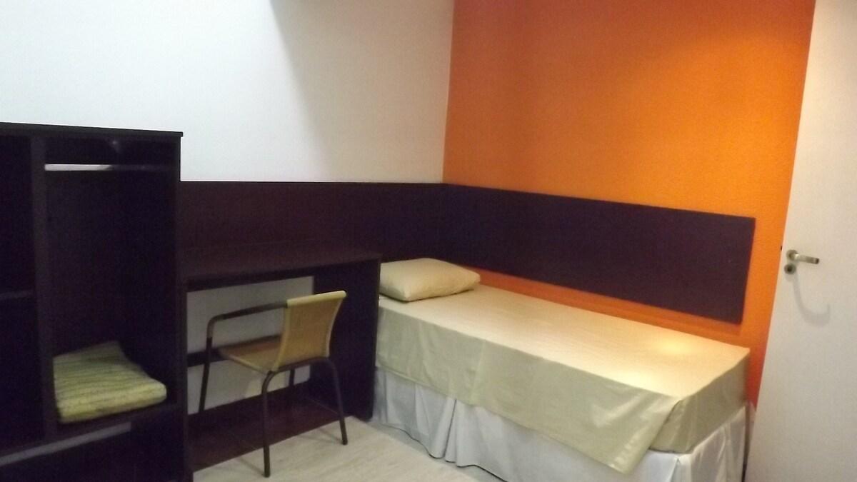 quartos modernos ,novos com frigoba