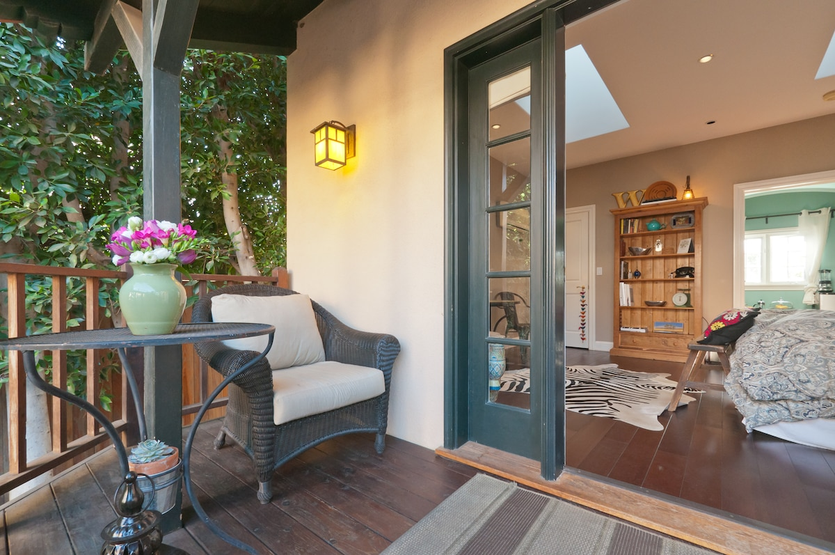 Charming Century City Guest House