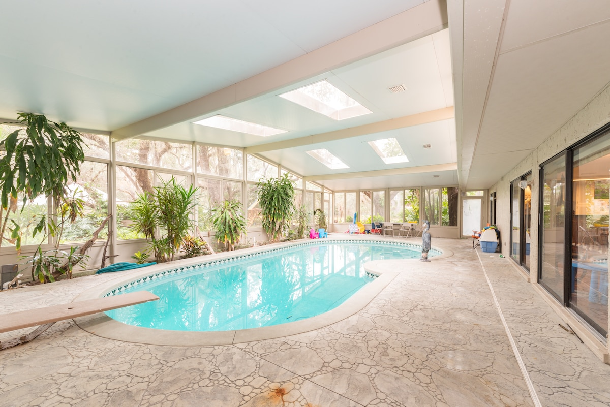 Lovely Disney home with Indoor Pool