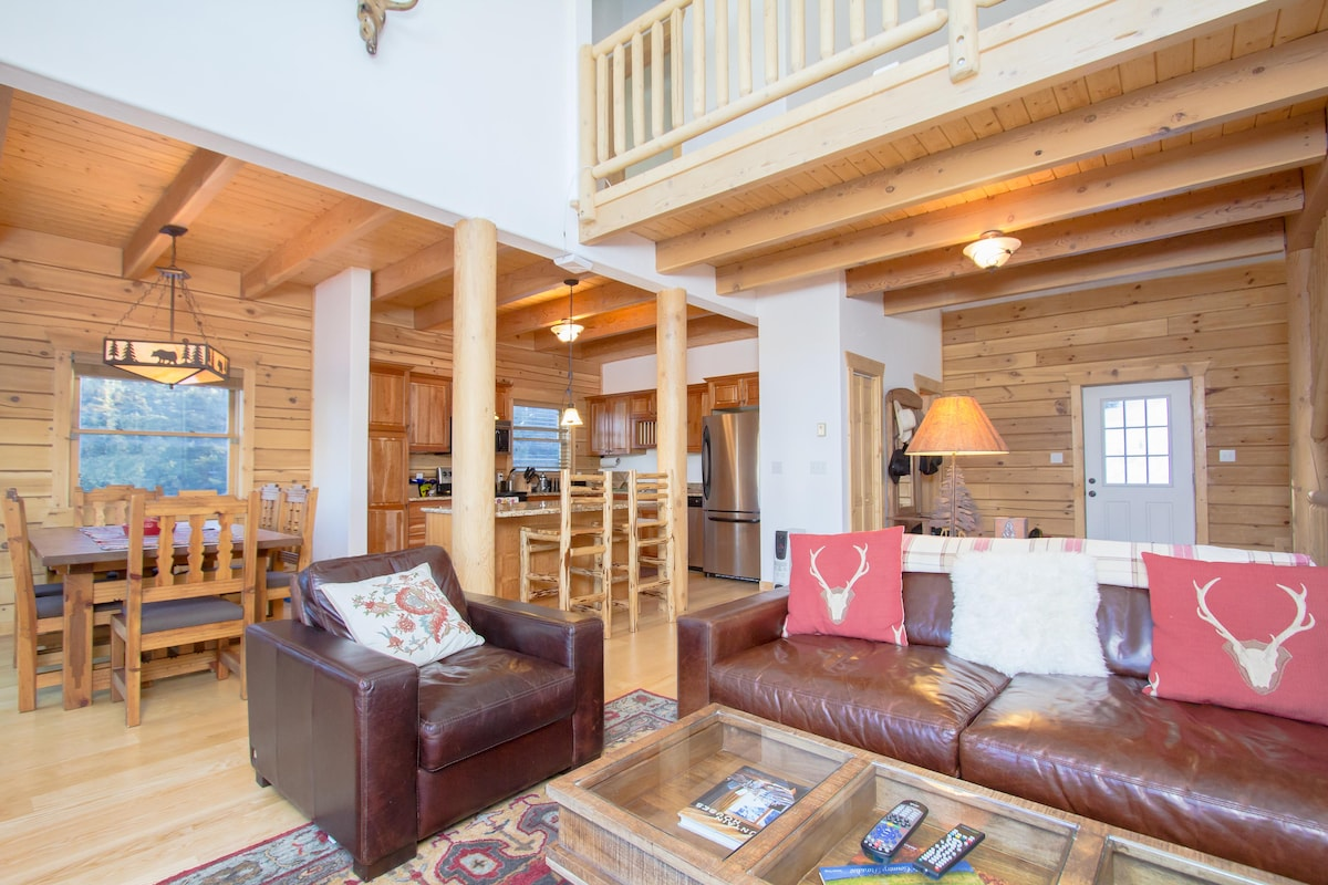 Luxury Mountain Cabin  near Breck!