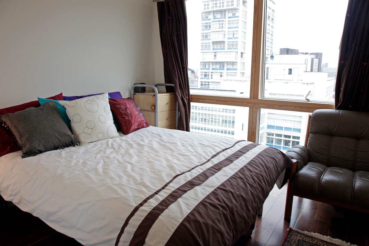 Central London Zone 1 with pool
