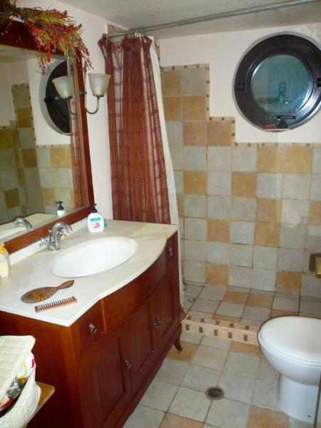 Large House 2 bathroom / 2 bedroom