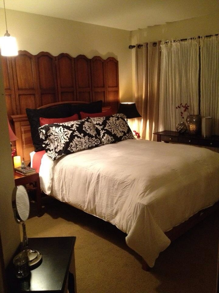 boutique hotel style bedroom in issaquah