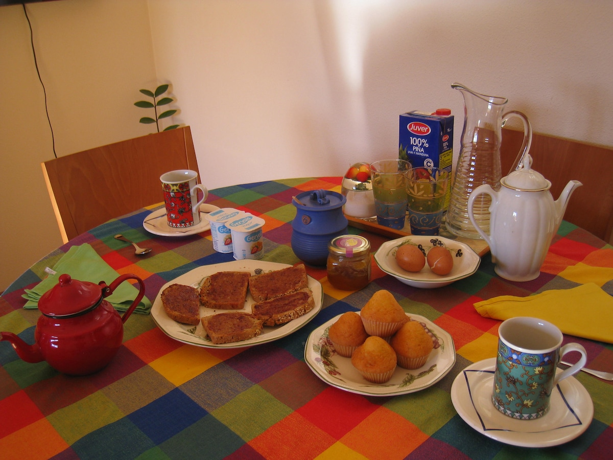 Continental breakfast with biological bread included.