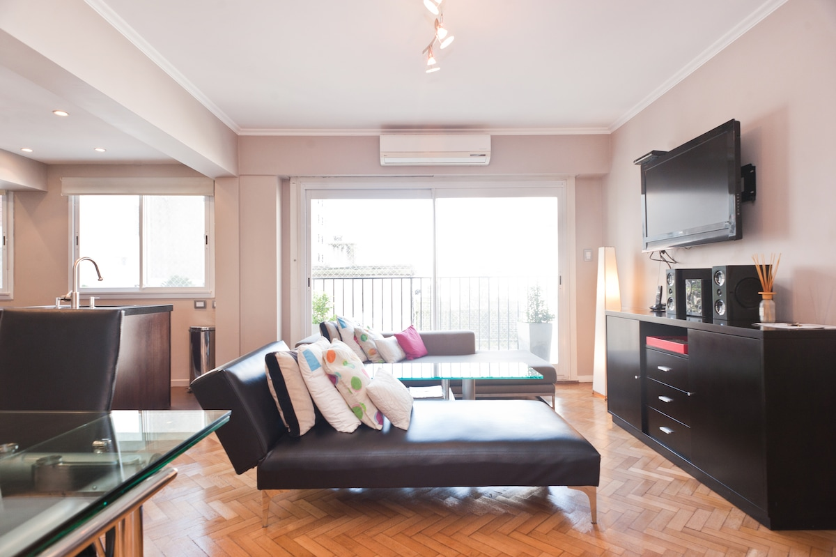 Excellent Location - Arenales St.
