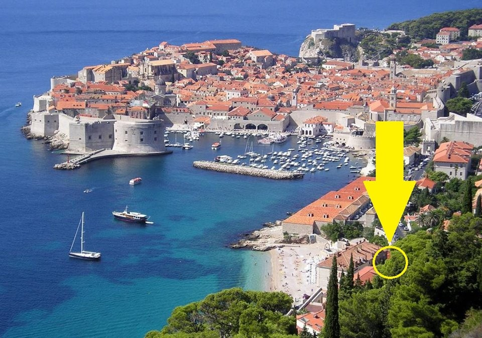 As you can see our location is the best regarding the combined distance to the beach and to the historic part of Dubrovnik!